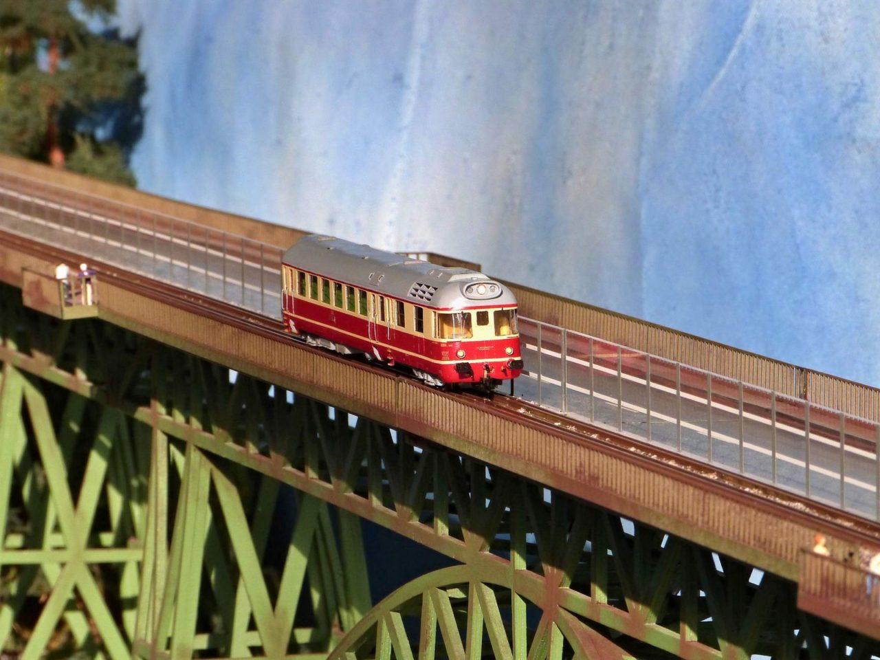 Temofeszt 2014 - Krokodýl na mostě